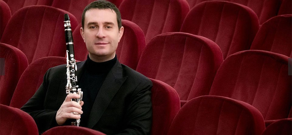 The clarinet of Calogero Palermo delights the public of the Politeama